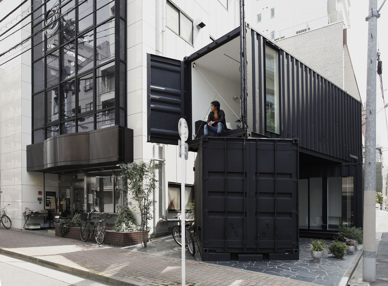 10 cool japanese container homes container living for Architecture container
