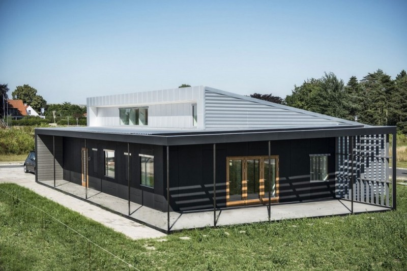 #6 Modern large container home
